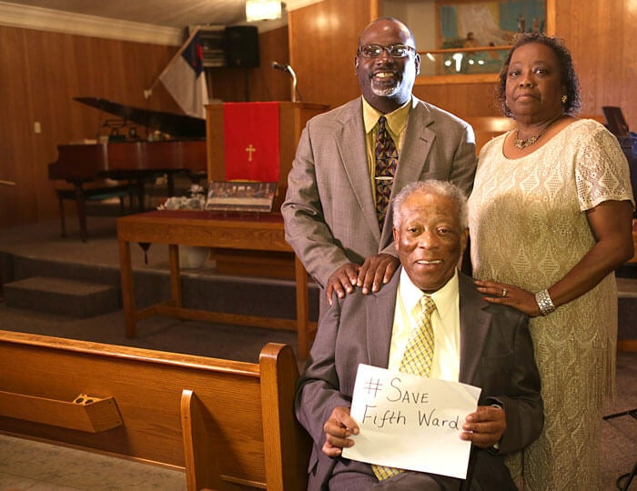 Fifthward_Pastor-Quinton-Smith-and-church-attendees---Missionary-Baptist